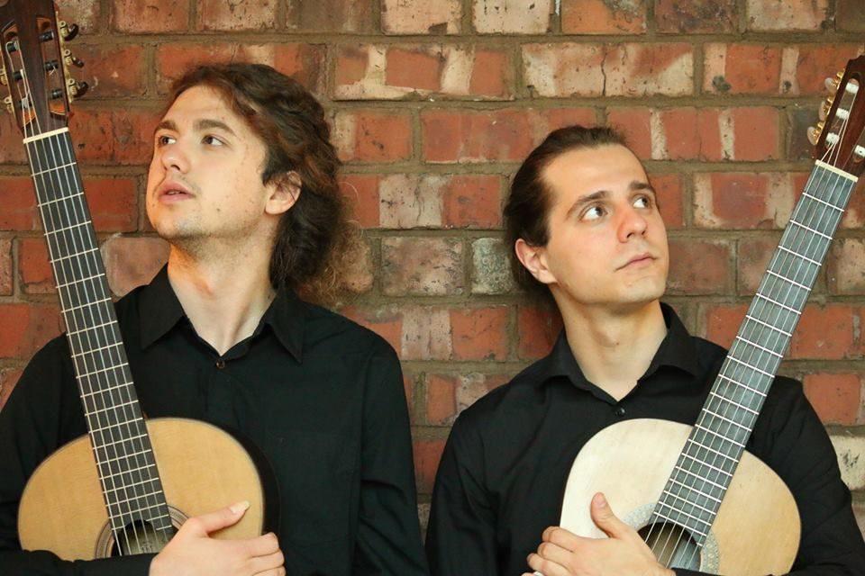 Gitaristički Duo Zorya nastupa u Velikom Taboru