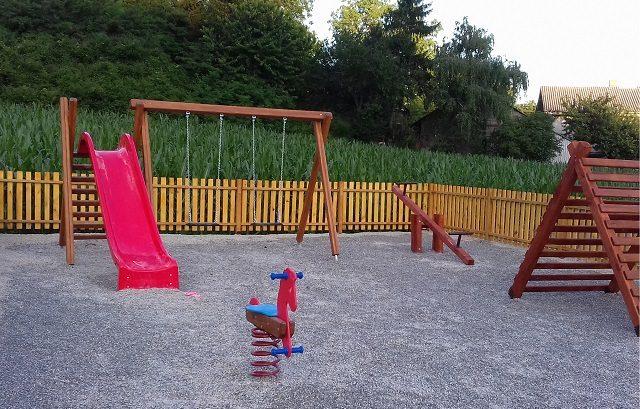 U Lovrećanu i Opasanjeku izgradit će se dječja igrališta vrijedna oko 200 tisuća kuna