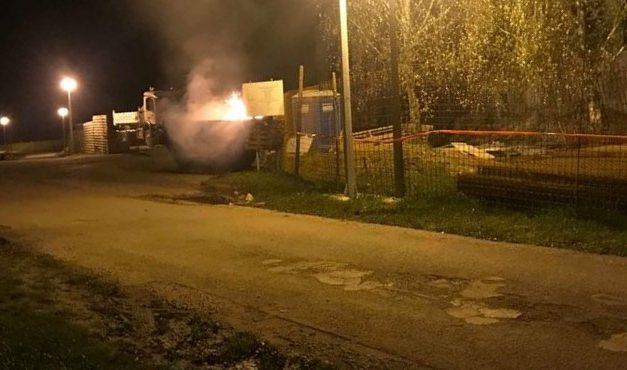 Požar kontejnera u Đurmancu (FOTO: Policija zaustavlja KZŽ)