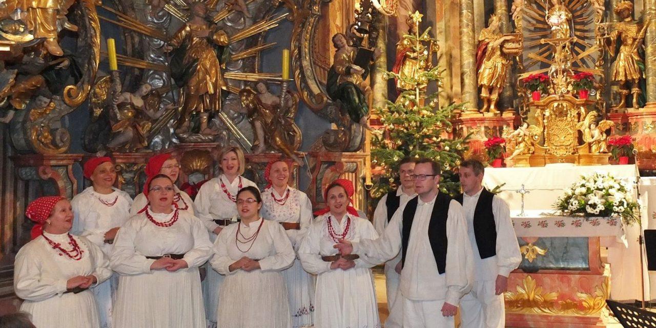 Sutra novogodišnji koncert KUD-a Belec i gostiju, uz puštanje letećih lampiona