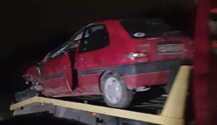 TEŠKO OZLIJEĐEN 50-GODIŠNJI VOZAČ: Zbog neprilagođene brzine u zavoju izgubio nadzor nad vozilom te se prevrnuo na krov