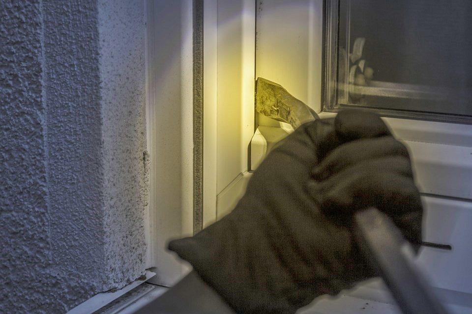 Provalio u četiri kuće iz kojih je ukrao alat, posuđe i hranu, a pokušao je provaliti u još dvije kuće i jednu vikendicu