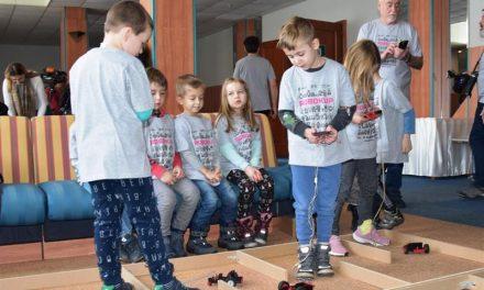 Najbolji mladi robotičari dolaze iz zagrebačke OŠ Gustava Krkleca, za što su nagrađeni Ljetnom školom tehničkih aktivnosti u Kraljevici