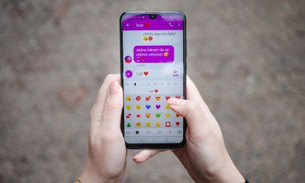 Istraživanje pokazalo: Zaljubljeni Hrvati manje razgovaraju, a više pišu poruke