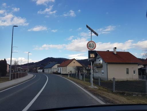 SMANJITE BRZINU KRETANJA VOZILA: U centru Bednje, uz državnu cestu D74, postavljeni semafori
