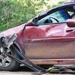 TEŠKO JE OZLIJEĐEN: Mladić (28) vozio s 1,71 promila alkohola u krvi, u zavoju sletio u odvodni kanal, nakon čega je došlo do višestrukog prevrtanja automobila