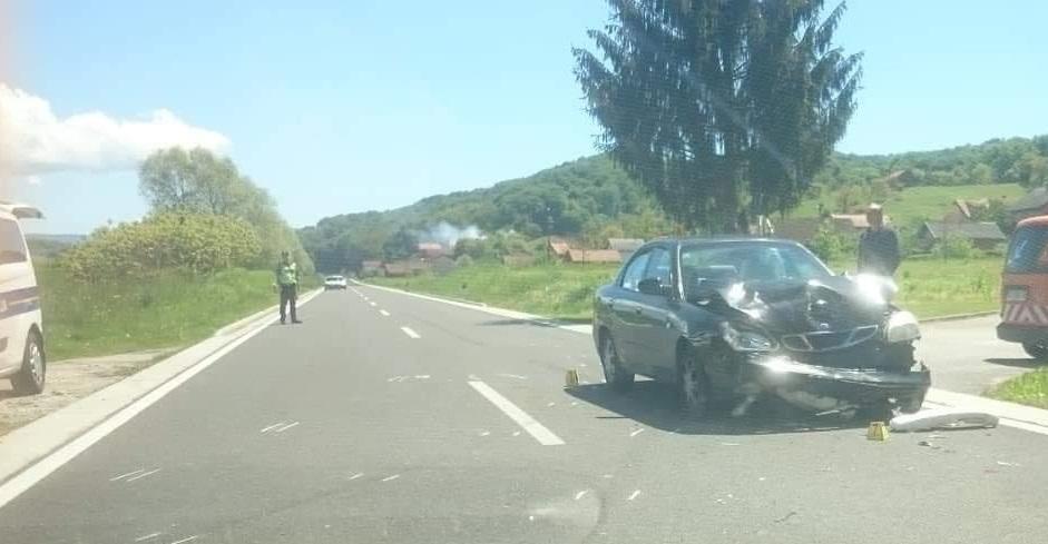 FOTO: Prometna nesreća u Dubrovčanu (Policija zaustavlja KZŽ)