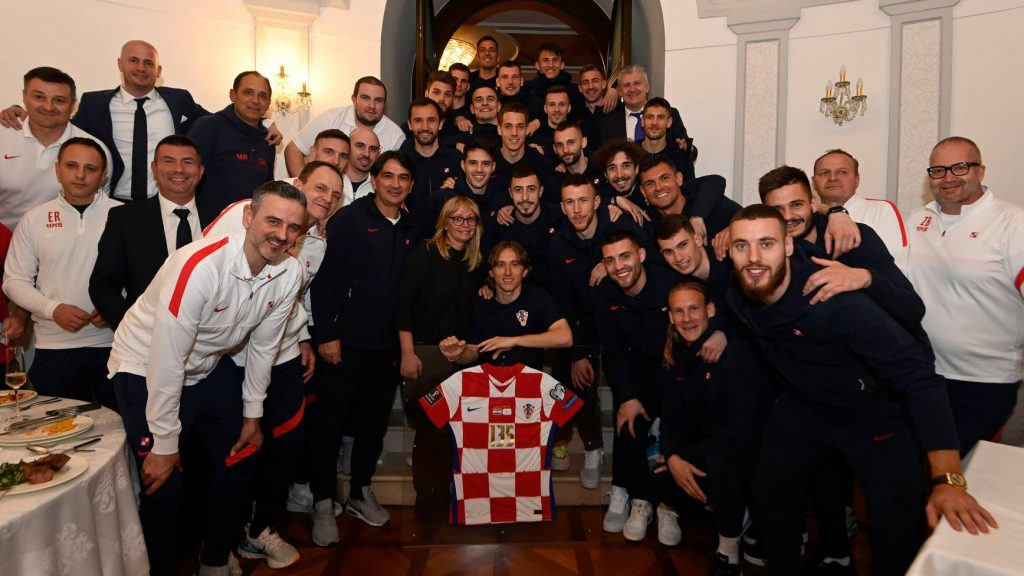This image has an empty alt attribute; its file name is modric-1024x576.jpg